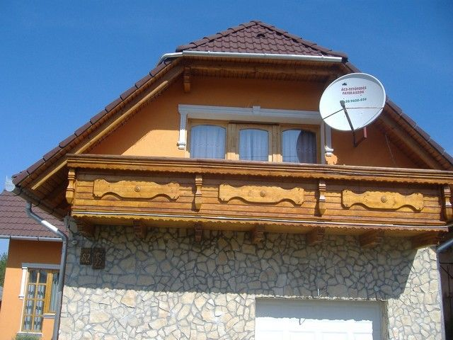 Faterasz kesztölci családi házon.