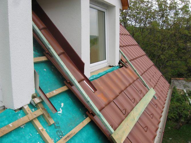 Tetőablak kialakítása, dryvitozás, bádogozás, cserepezés